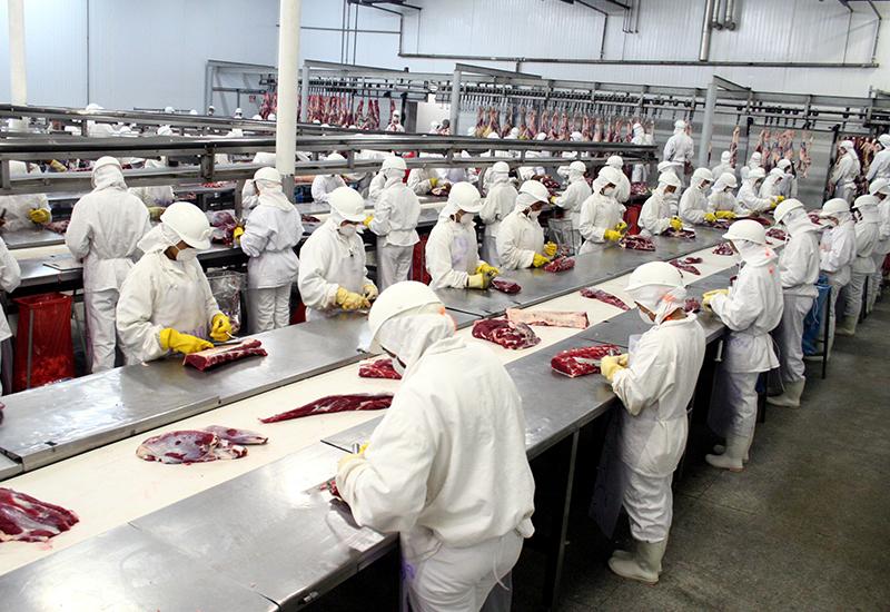 62% das indústrias projetam aumento no faturamento para 2021, revela pesquisa da CNI
