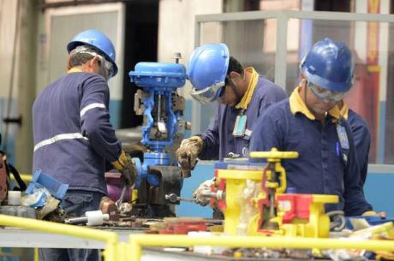 Faturamento da indústria aumenta 1,3%, informa pesquisa da CNI