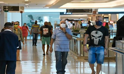 Comércio não essencial, bares e academias reabrem após quase um mês fechados em Goiânia; veja regras
