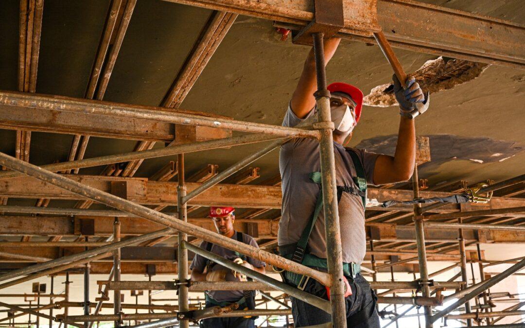 Atividade e emprego na construção recuam pelo quinto mês, mostra CNI